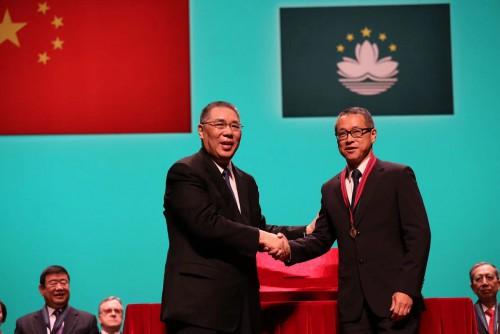 12月25日本會潘樂祺會長榮獲澳門特別行政區政府頒授「專業功績勳章」